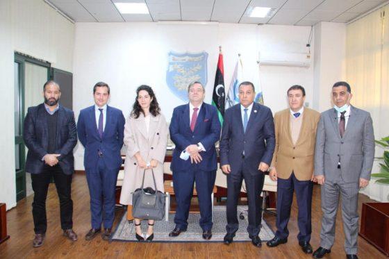 اجتماع مصلحة الجمارك بسفير المملكة الاسبانية في ليبيا