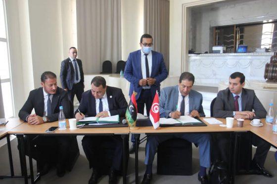 التوقيع والإعلان رسميا عن انطلاق العمل بالمنفذ الجمركي المشترك برأس جدير