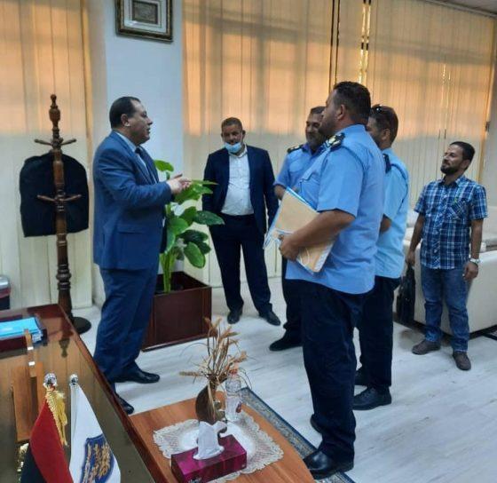 لقاء مدير عام مصلحة الجمارك بعدد من ضباط مديرية جمارك بنغازي